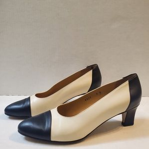 Brooks Brothers Leather Pumps size 8